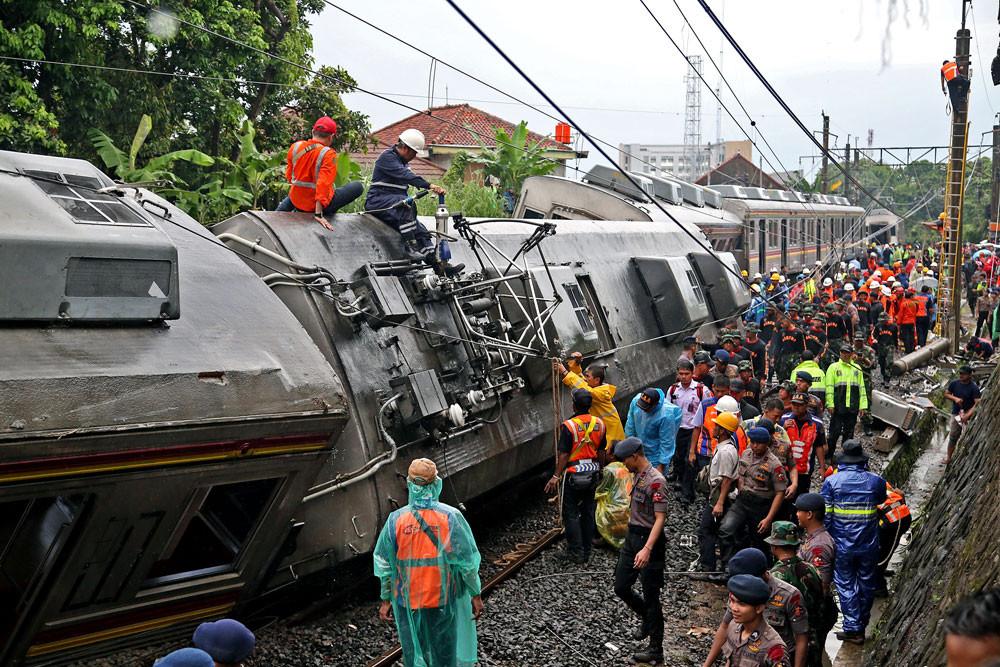 KNKT to investigate Bogor commuter line derailment