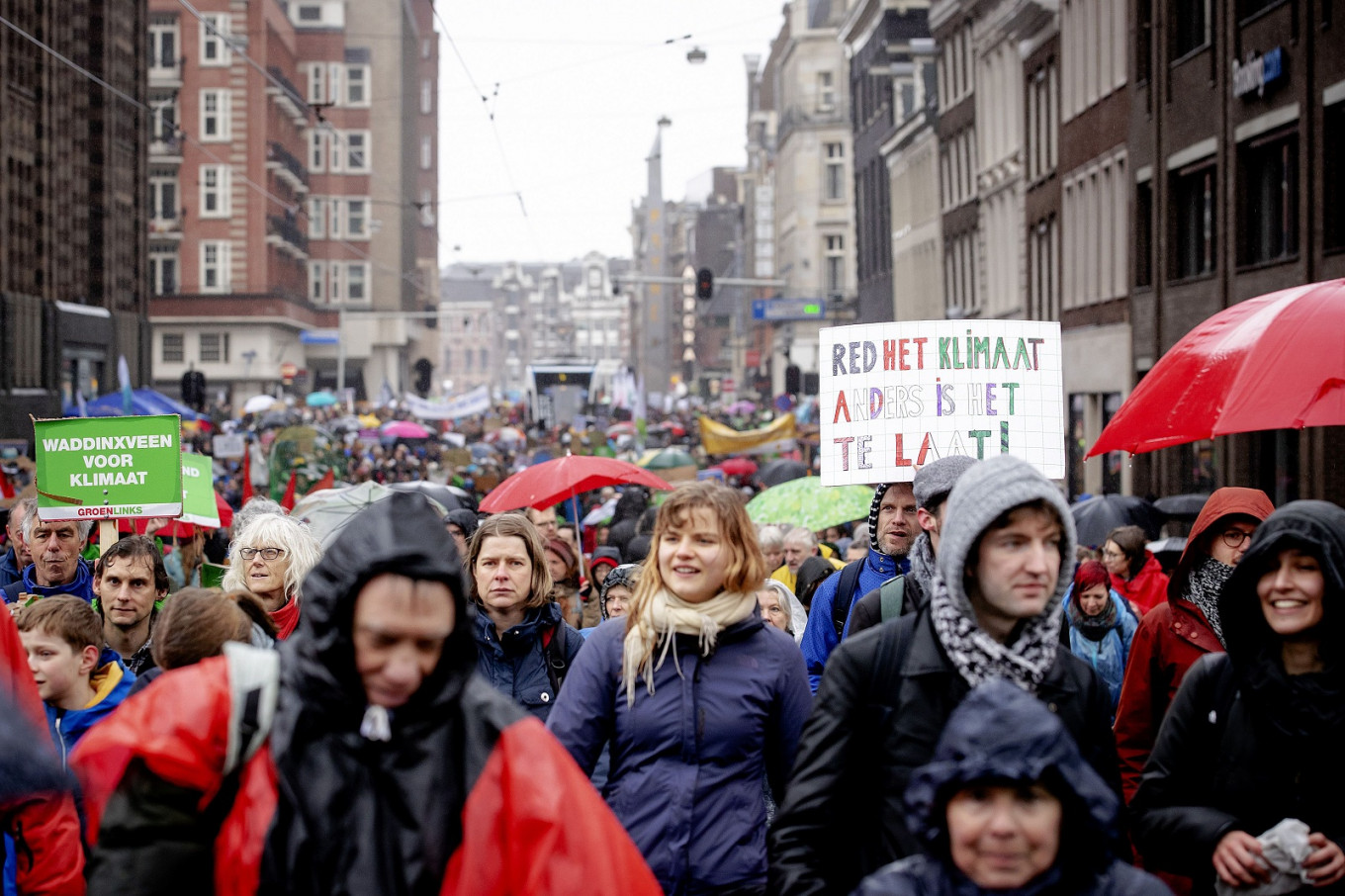 40,000 join first national climate march in Amsterdam