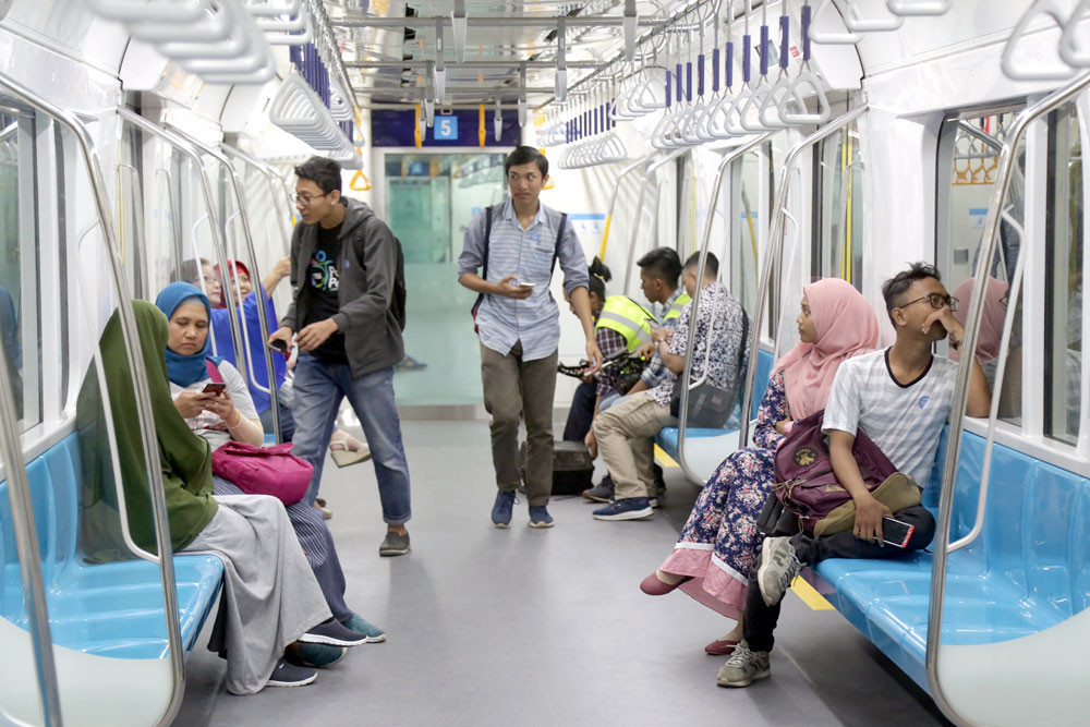 Mrt Jakarta To Designate Women Only Cars During Peak Hours City