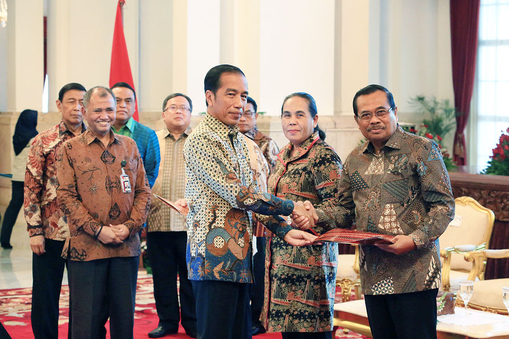 Jokowi urged to reform, not add more ministries