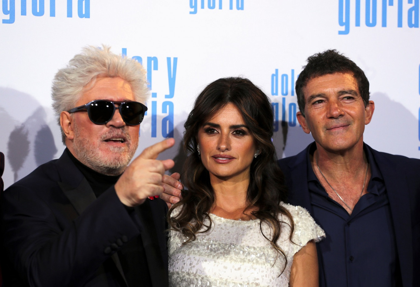 Filmmaker Almodovar walks Cruz, Banderas down memory lane in 'Pain and Glory'