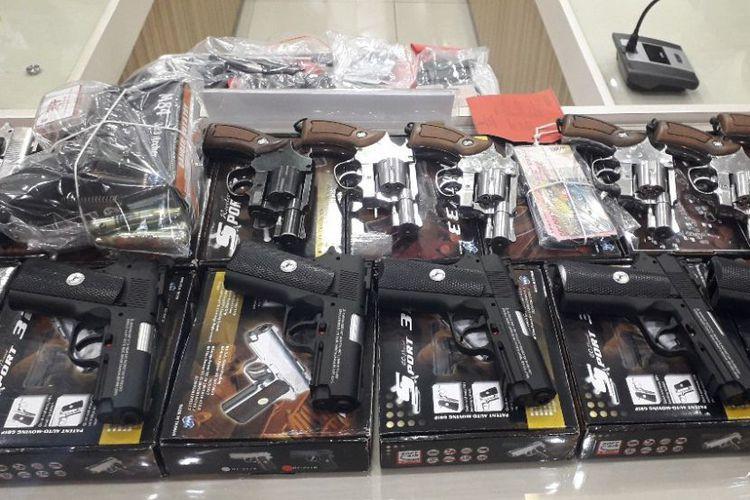 Police bust suspected illegal online airgun trader