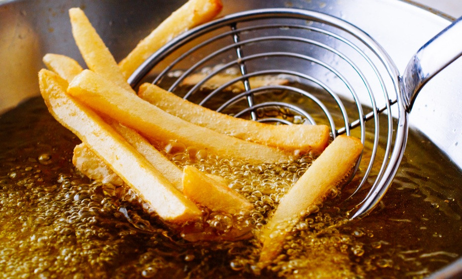 Dear home cooks, avoid these common mistakes when deep frying