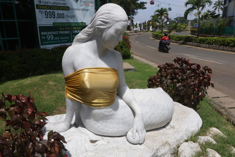 Saskia de Lando Nude Photos