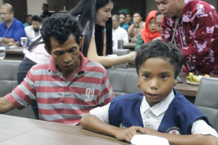 Deaf Indonesian boy who saved Malaysians in Lombok quake hailed as hero