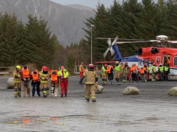 Norway rescuers airlift passengers off cruise ship in storm