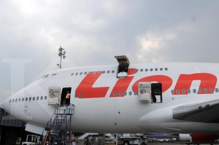 Jokowi approves incentives for airlines
