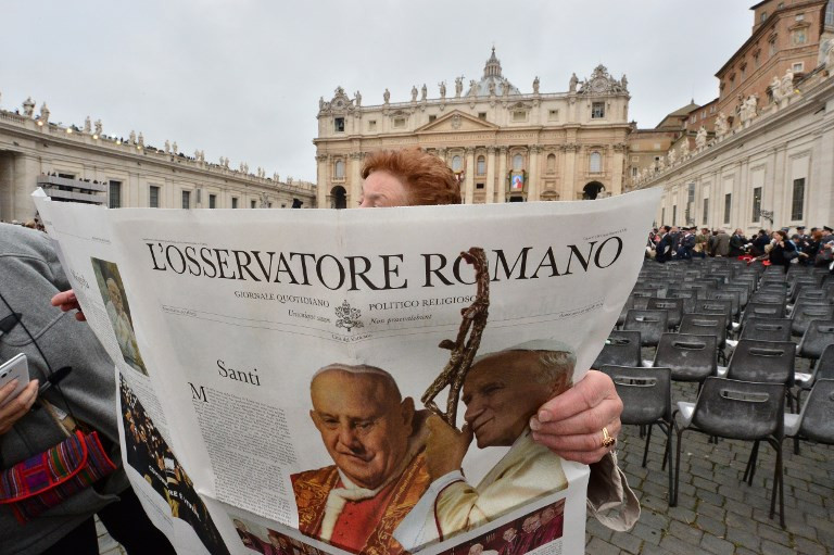 Female reporters quit over Vatican call for 'obedience'