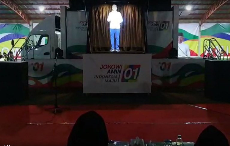 Jokowi taps 'hologram campaigning' ahead of polls