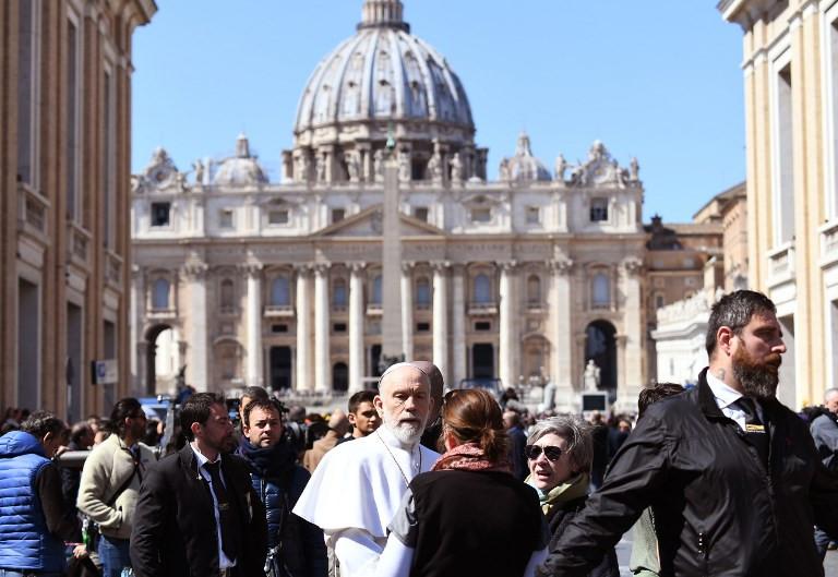 'Pope' John Malkovich delights pilgrims on Saint Peter's Square
