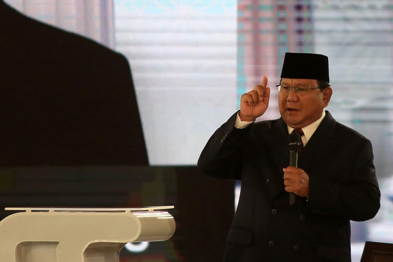 'My mother was a Christian': Prabowo denies supporting caliphate