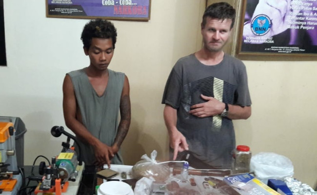 American, Indonesian arrested in West Nusa Tenggara, for allegedly consuming, selling drugs