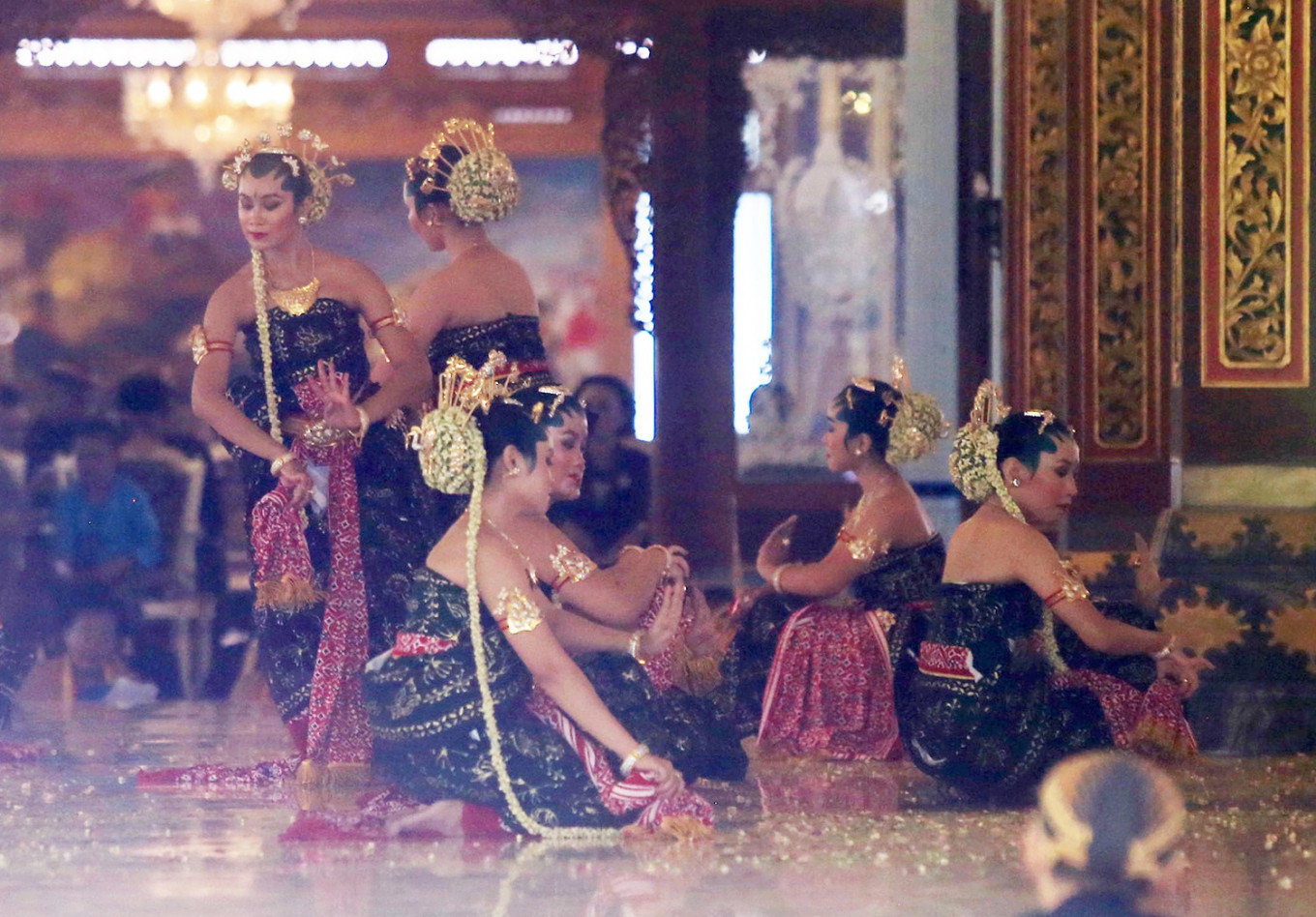 Sultan's coronation anniversary marked with sacred dance in