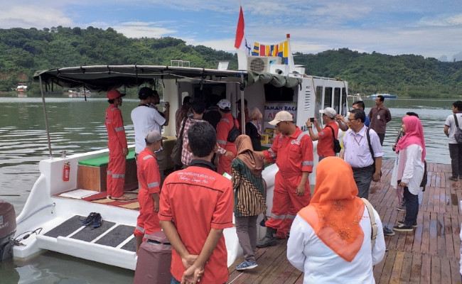 Kimia Farma, Dompet Dhuafa open floating clinic to serve small islands in West Lombok