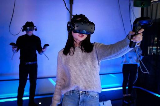 China's virtual reality arcades aim for real-world success