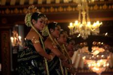 Nine dancers perform the sacred Bedhaya Ketawang dance during King Paku Buwono XIII's coronation. JP/Maksum Nur Fauzan