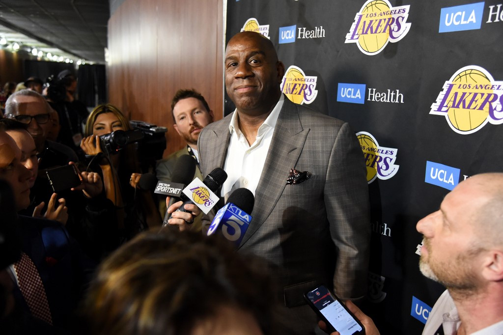 Magic Johnson steps down as Los Angeles Lakers chief