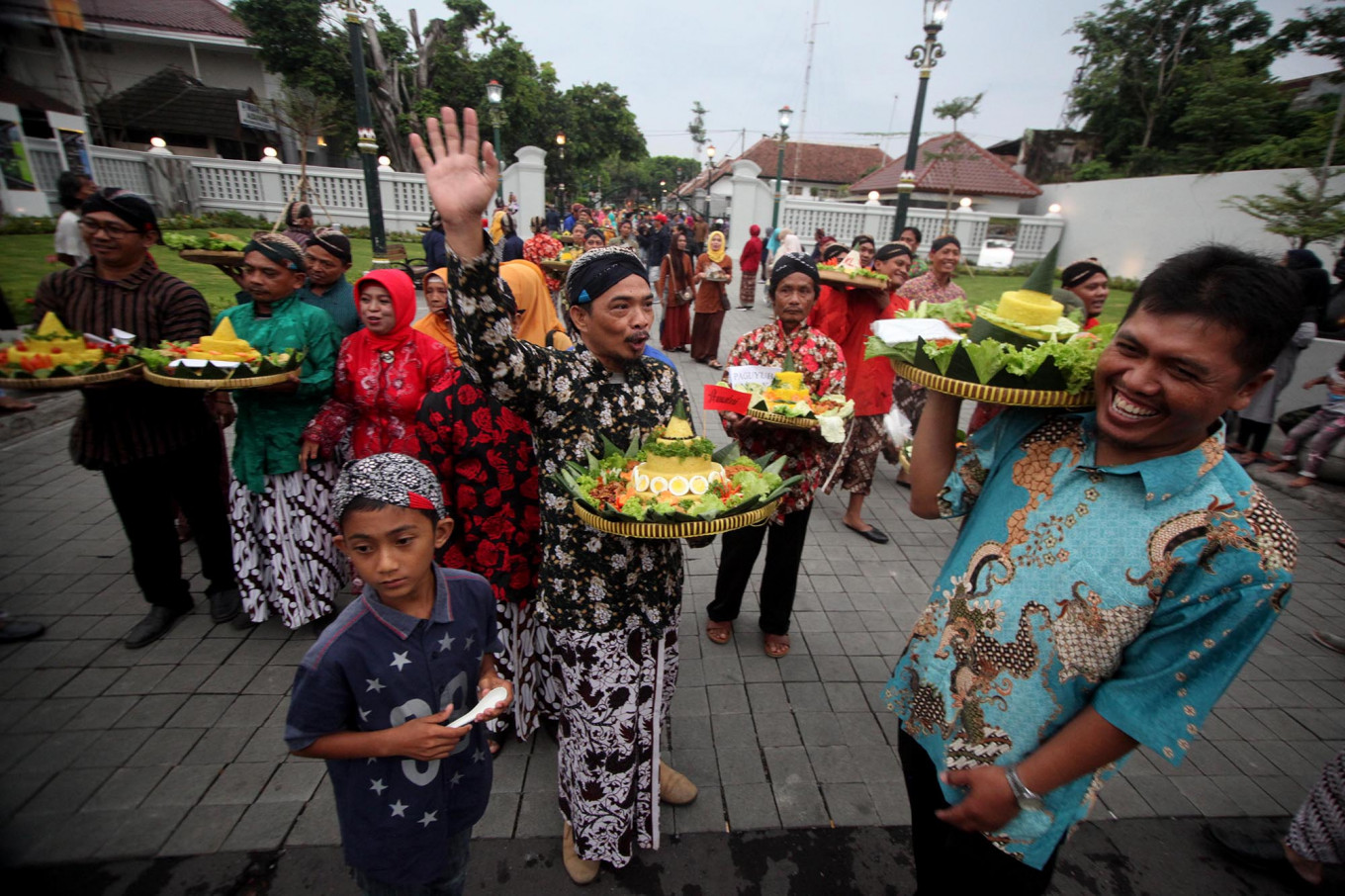 The tumpeng is ready to be shared with visitors and tourists in the Malioboro area. JP/Boy T. Harjanto