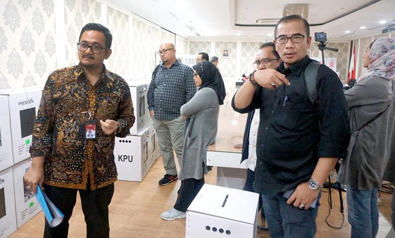 Malaysia voting as scheduled despite vote-rigging investigation