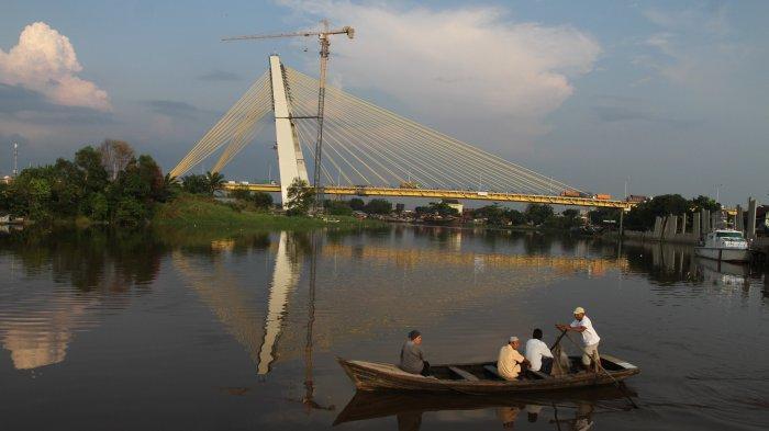 Steel nuts taken from new Riau bridge