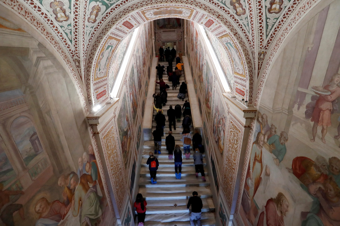 Rome's 'Holy Stairs' bared for first time in 300 years