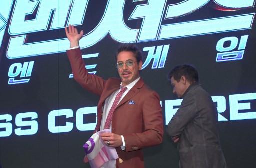 Robert Downey Jr. thanks fans for Marvel career