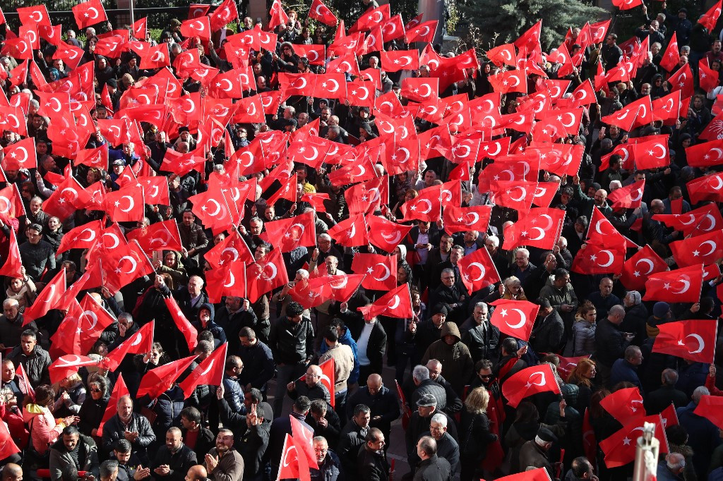 Turkey police arrest ruling party member, five others after attack on opposition chief
