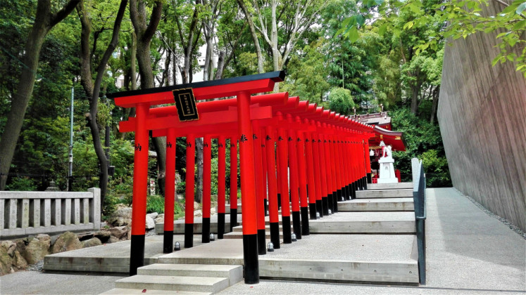 A row of torii at the Ikuta Shrine in Kobe City, Hyogo prefecture, Japan.