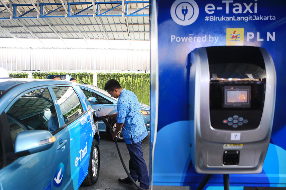 Indonesia needs 31,000 charging stations to reach electric vehicle goals