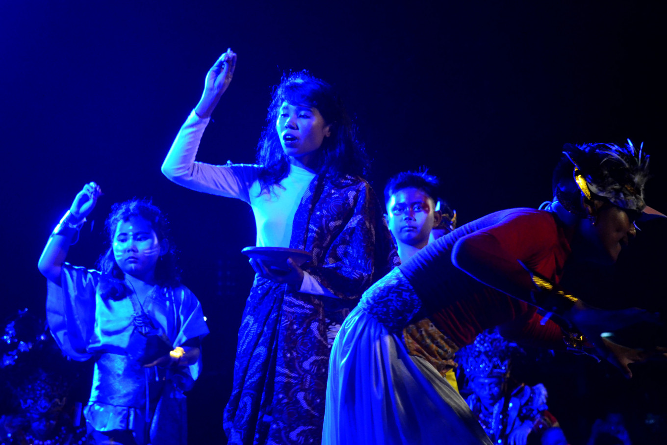 Local, foreign performers enliven World Theater Day celebration in Surakarta