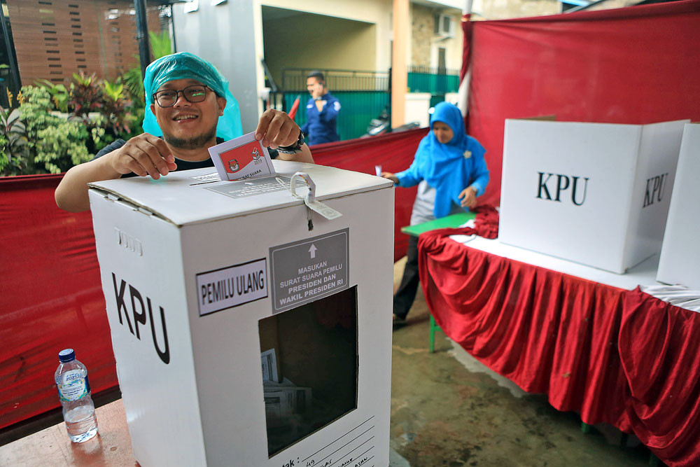 House mulls over closed-list electoral system, parliamentary threshold of 7 percent