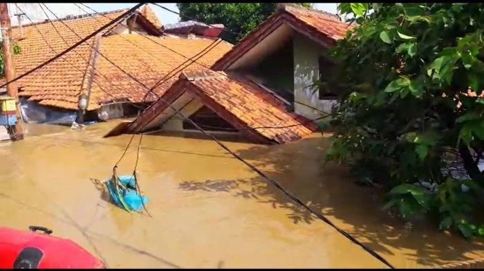 Thousands flee as floods hit Jakarta, Depok, Tangerang