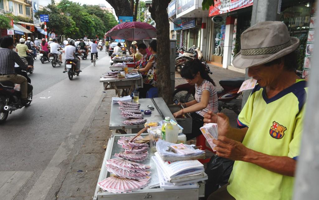 Vietnam police bust $1bn illegal online gambling ring