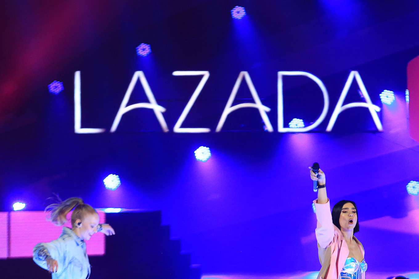 Lazada livestreams star-studded 7th anniversary in six countries