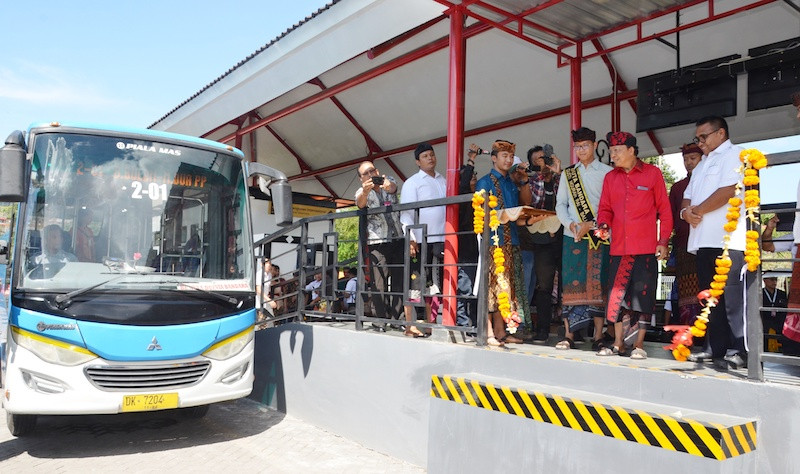 Bali airport shuttle service returns