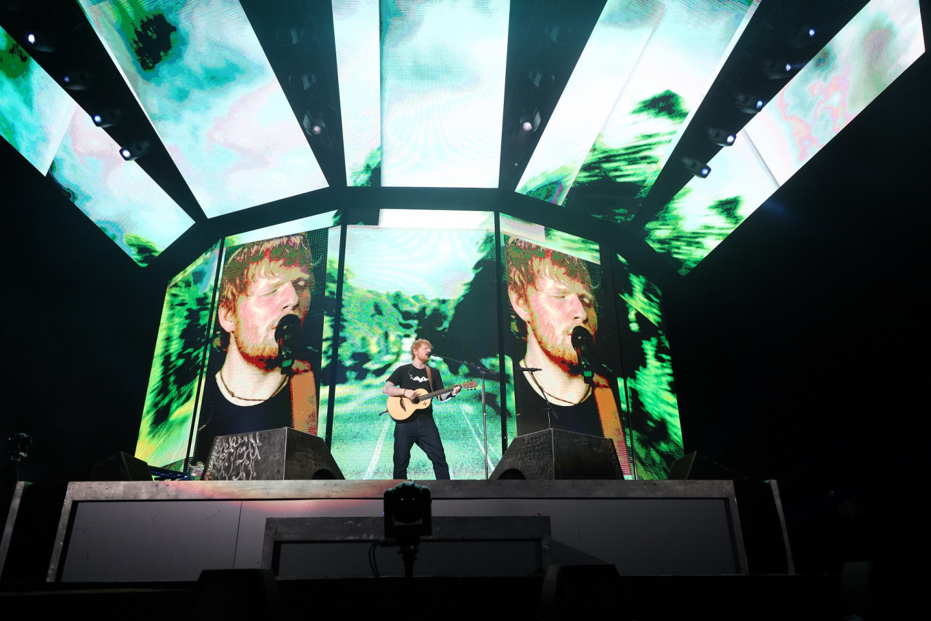 Electrifying Ed Sheeran says hello, goodbye in Jakarta