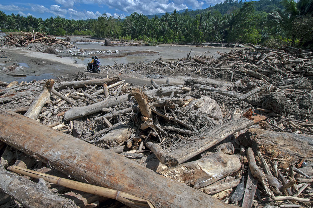 Two dead, 50 houses covered in mud as flash flood hits Sigi