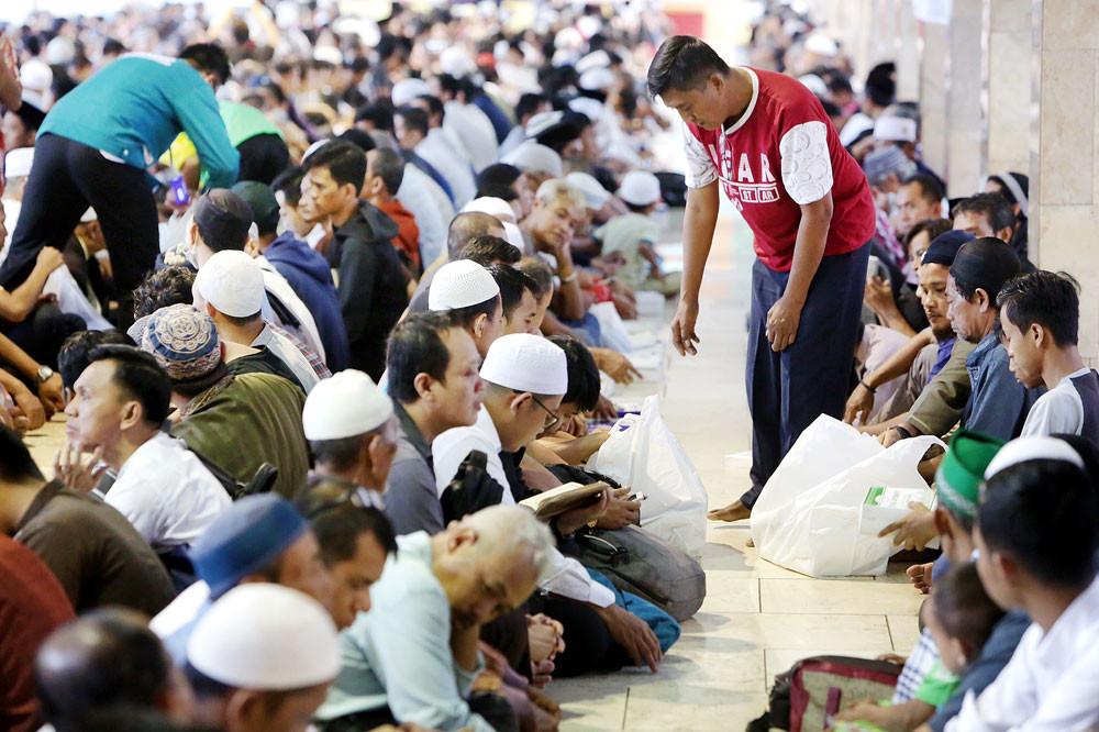 Blitar bans Quran recitals over loud speakers after 10 p.m.