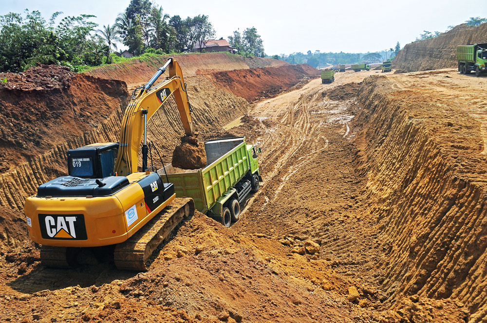 Serang-Panimbang toll road project halted after worker suspected of contracting COVID-19