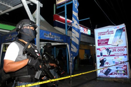 Densus 88 arrests suspected terrorists in Central Java