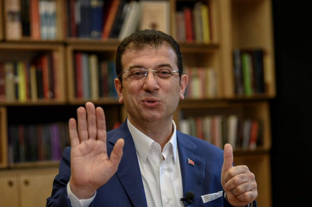 Deposed Istanbul mayor vows 'revolution' for democracy