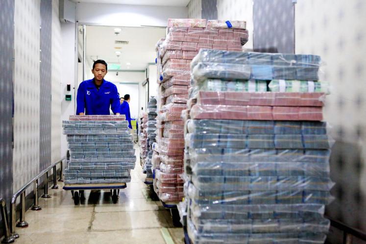 Slowing loan growth halves Bank Mandiri's profit growth in 2019