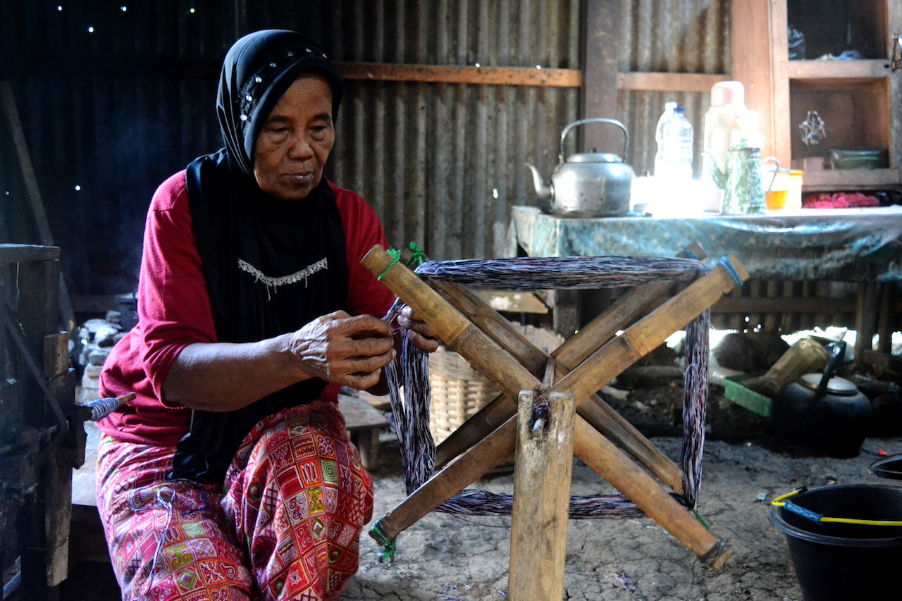 A sarong maker named Tayem started her 'goyor sarong' business in Giriroto village, Boyolali regency in the 1950s.