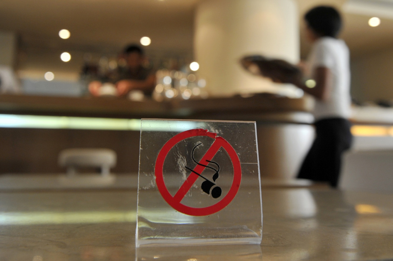 In Greece, smoking is alive and kicking despite bans - Health - The Jakarta  Post