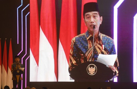 Jokowi declares reelection victory at 'kampung deret'