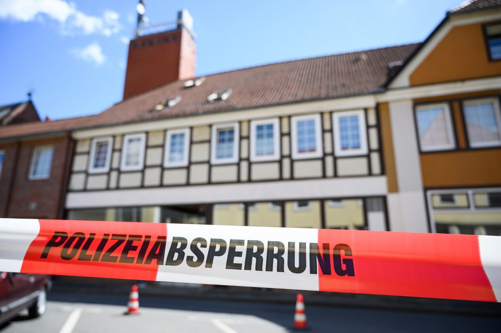 Possible suicide pact in macabre German crossbow murders