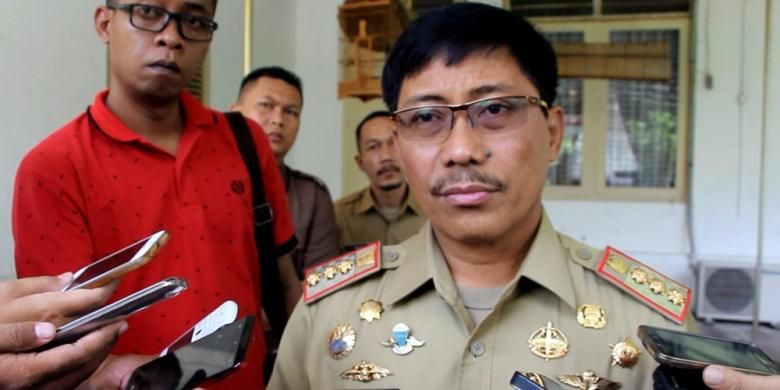 Suspended Cirebon regent gets five years, has political rights revoked