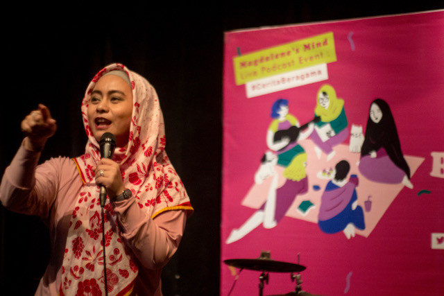 Ligwina Hananto at 'Berbagi Cerita Beragama (Sharing Stories on Religions): An Intimate Evening of Comedy and Story Telling' in Jakarta on May 15.