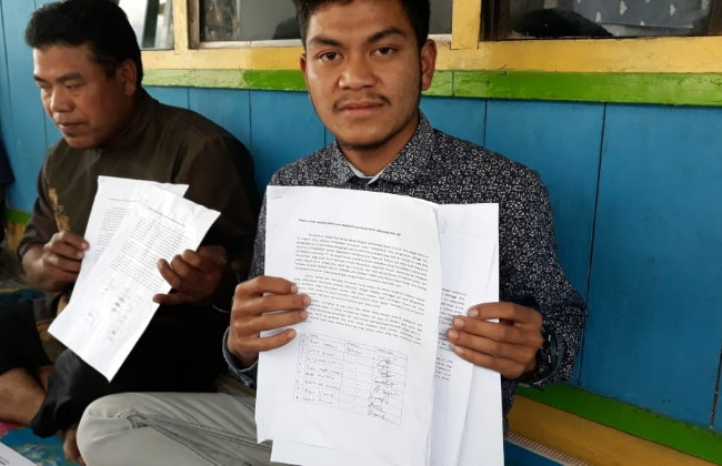Lombok school fails student for wearing jacket, protesting on Facebook