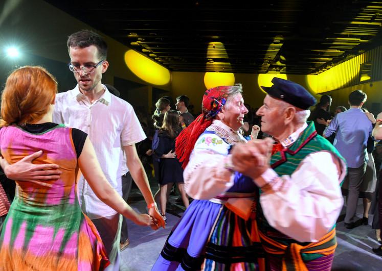 Young urbanites help revive Poland's mazurka folk dance